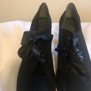 Bootie  black with ribbon tie